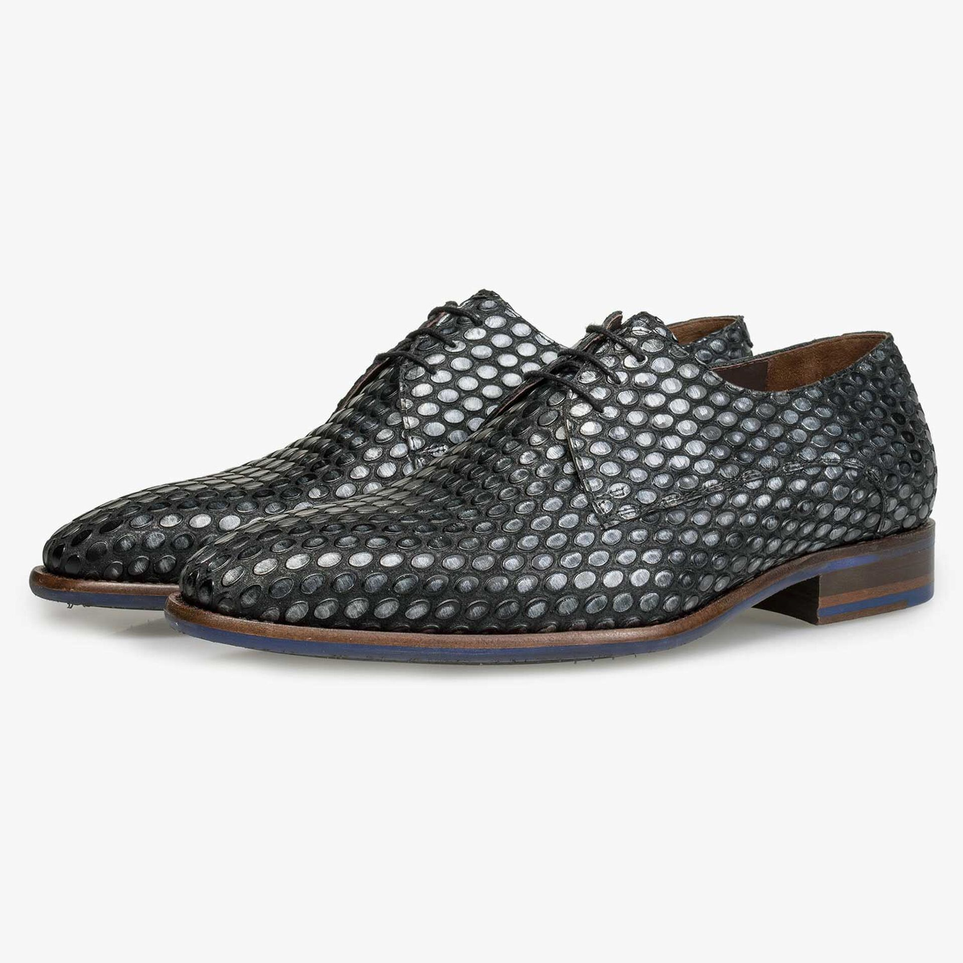Silver-coloured leather lace shoe with coffee bean print