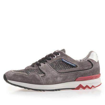 Sneaker with sportive sole with a zig-zag print