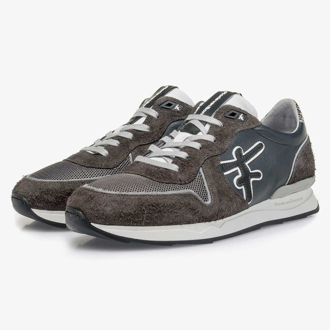 Dark grey calf leather sneaker