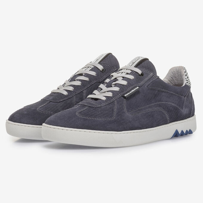 Blue suede leather sneaker with print
