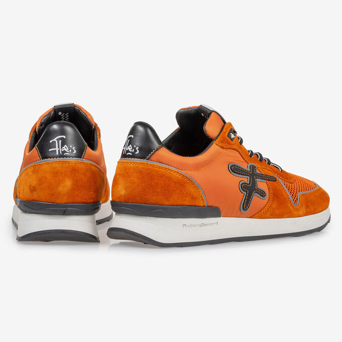 Sneaker orange suede leather
