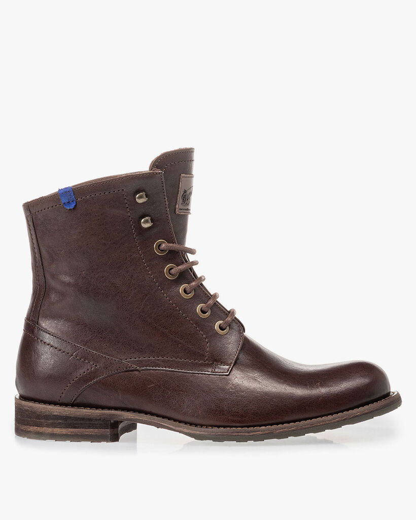 Lambskin lined lace boot brown