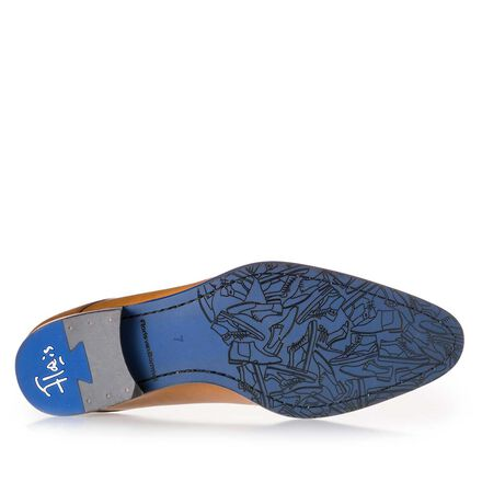 Laser-printed leather lace shoe