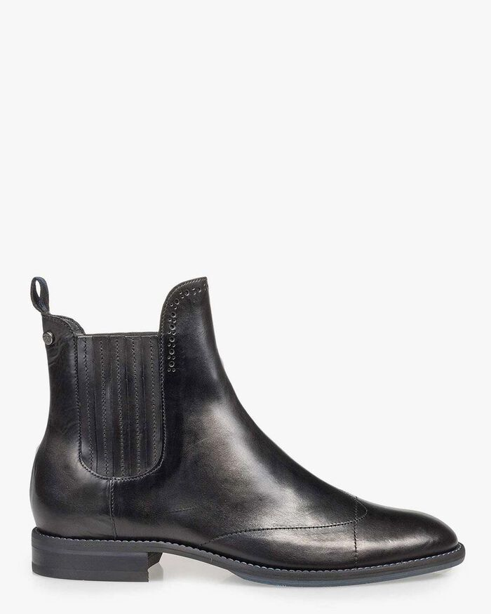 Black calf leather Chelsea boot