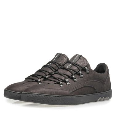 Sneaker with typical hiking boot lacing and metal eyelets
