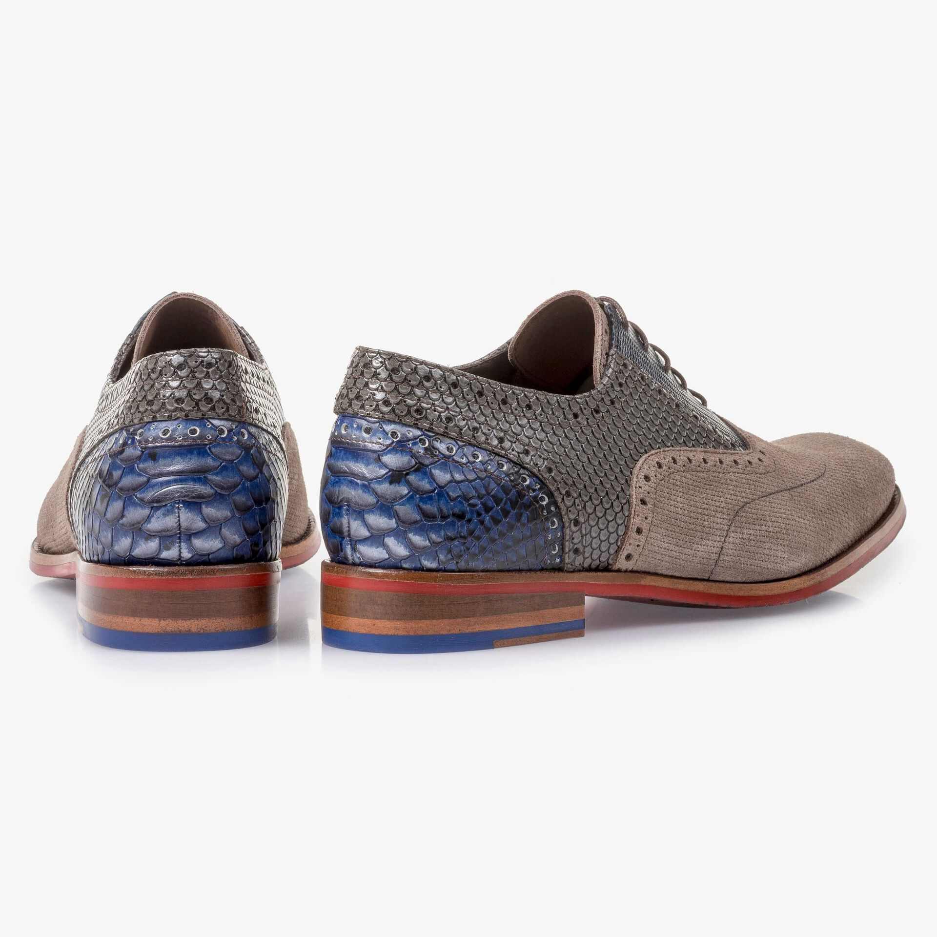 Suede leather lace shoe with pattern taupe