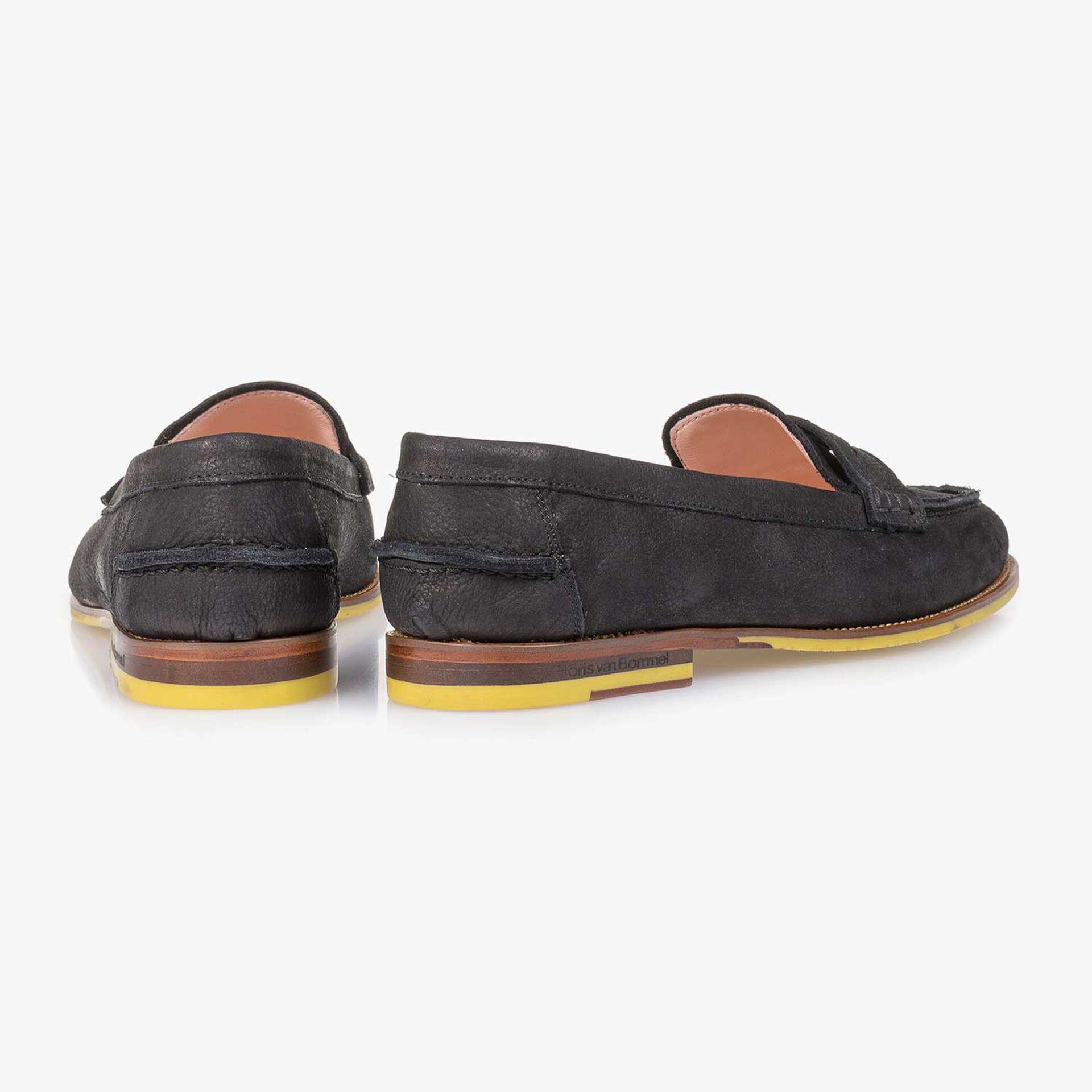 Black structured nubuck leather loafer