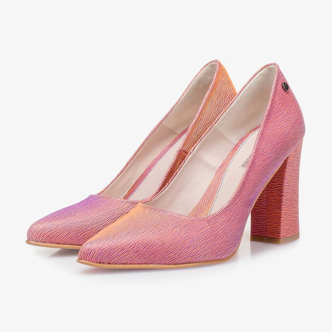 Coral red leather pumps with changing effect