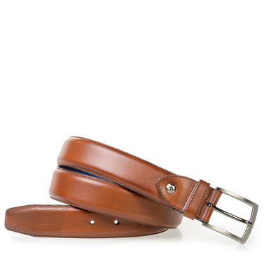 Elegant calf leather belt