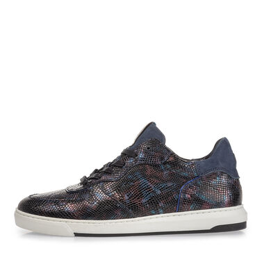 Sneaker with print
