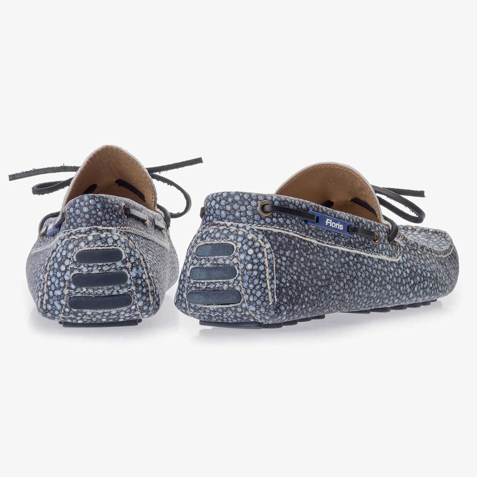 Blue moccasin with rye pattern