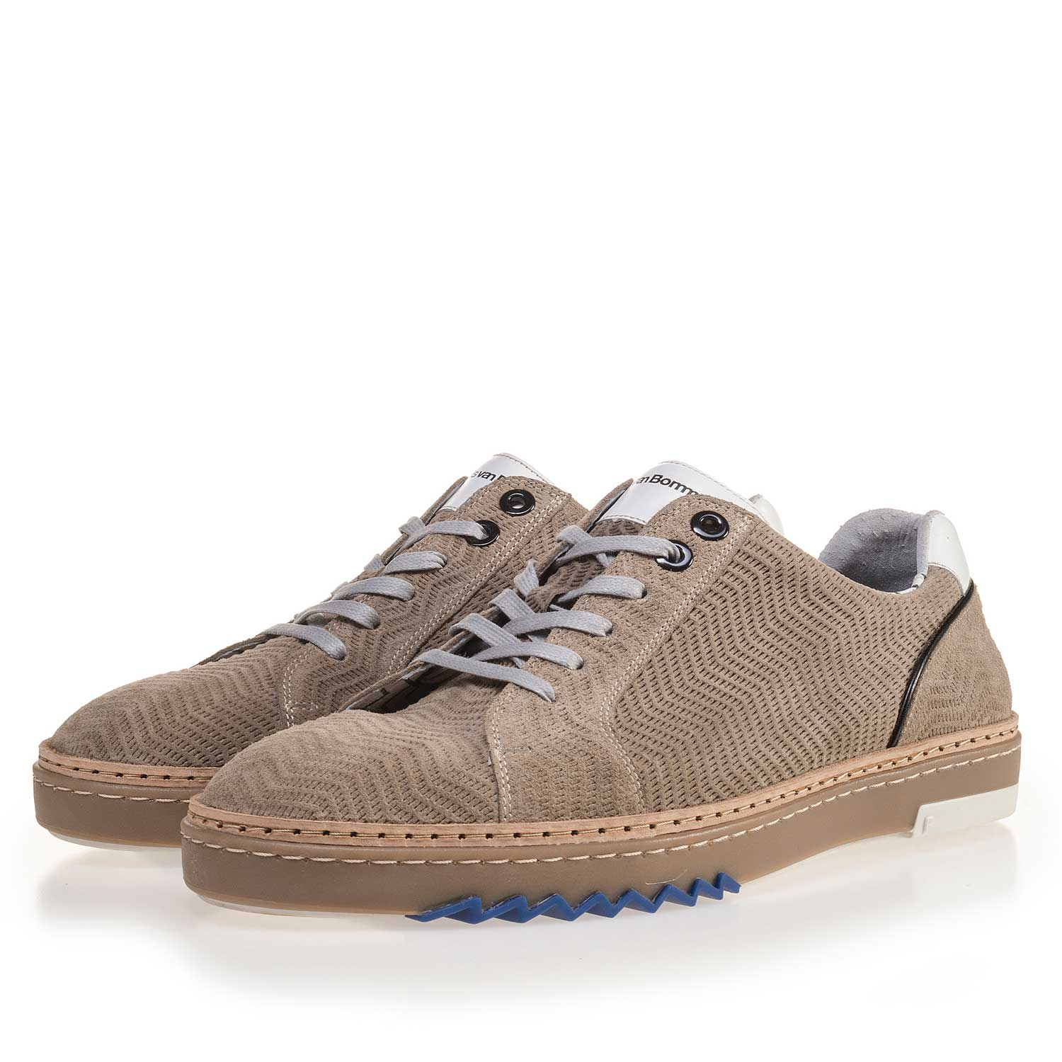 14057/05 - Sand-coloured, leather sneaker with pattern