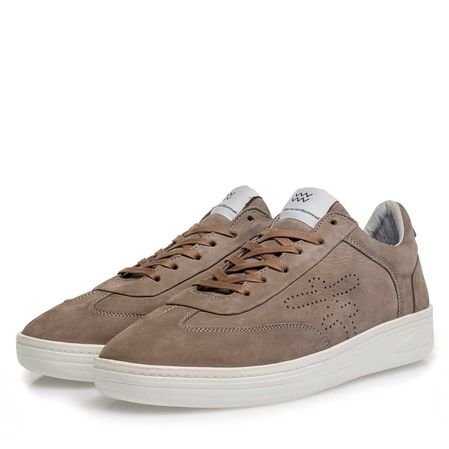16255/06 - Taupe-coloured nubuck leather sneaker