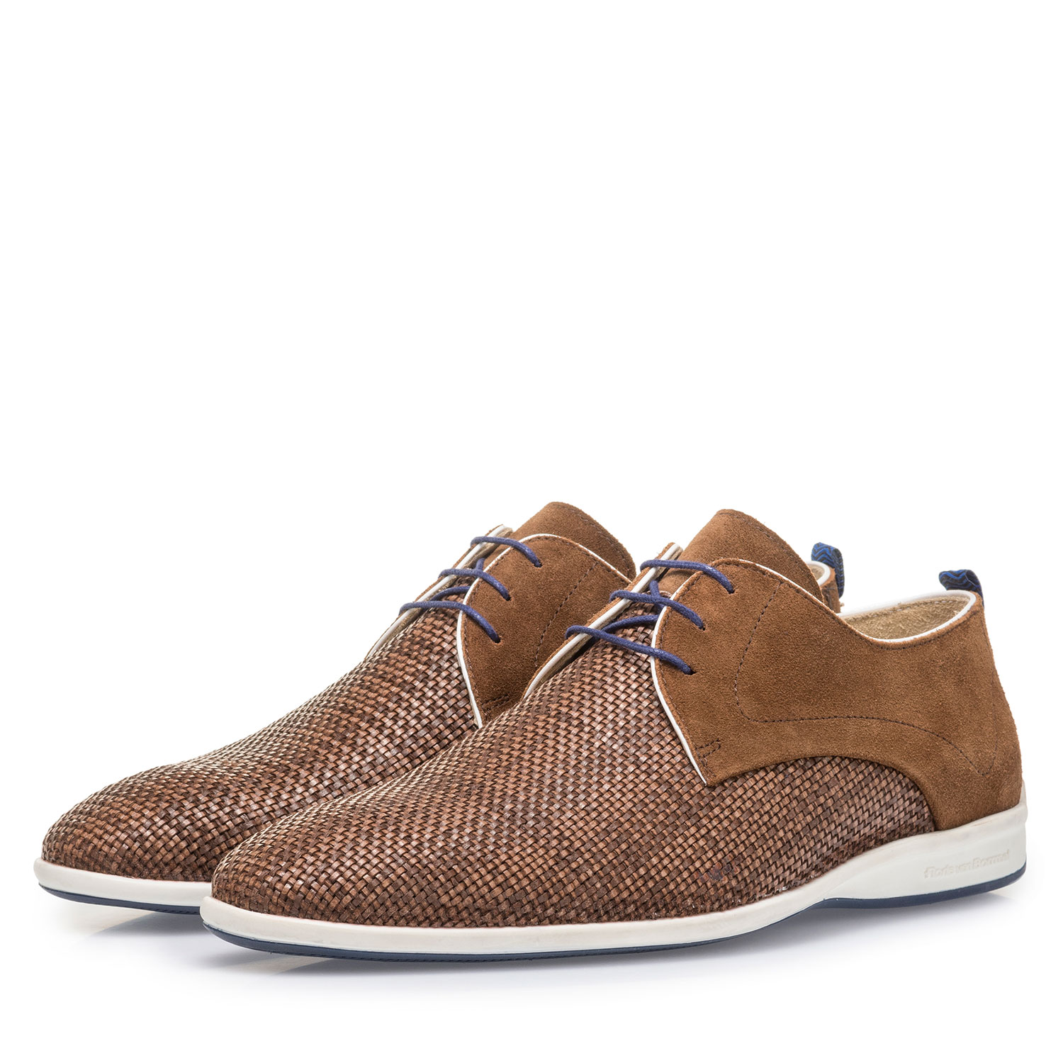 18302/10 - Brown braided leather lace shoe