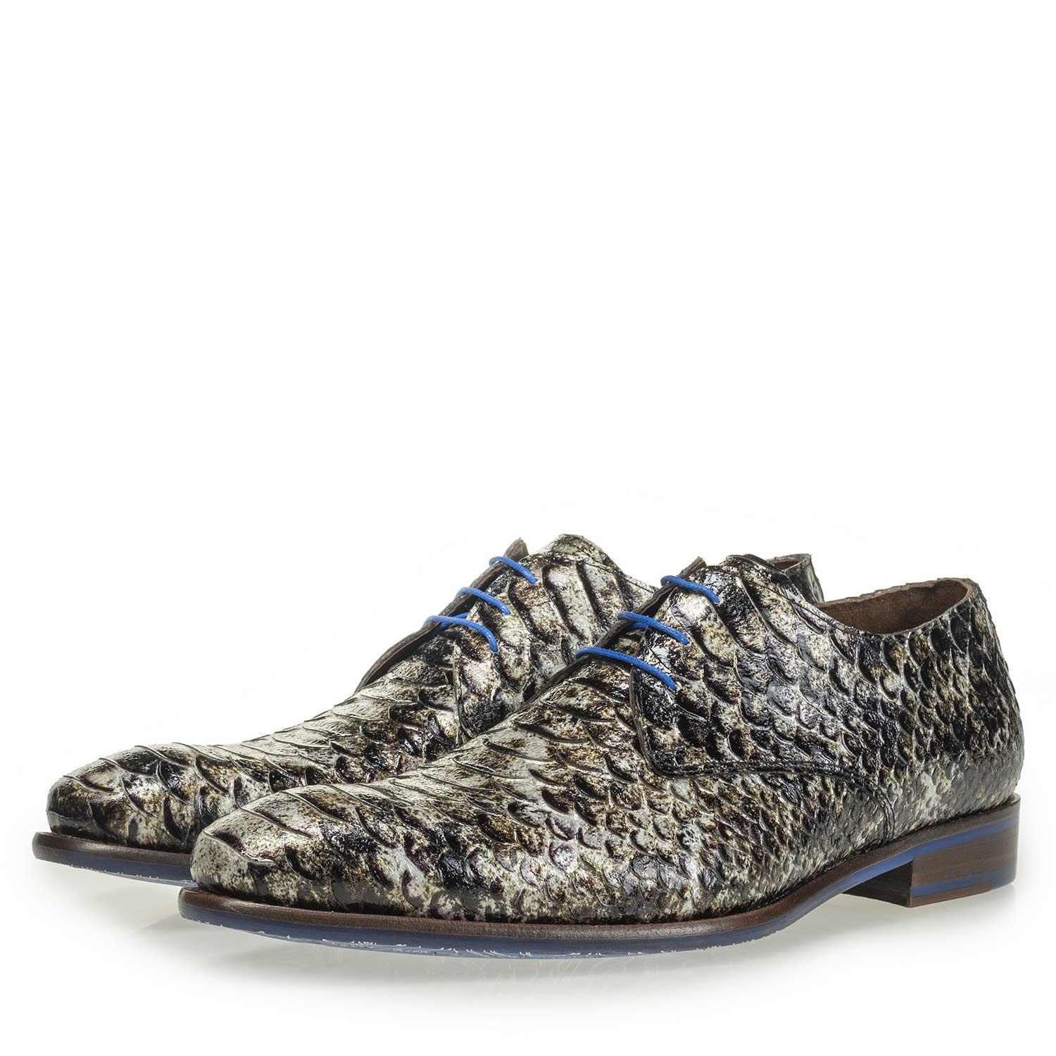 18121/04 - Grey patent leather snake print lace shoe