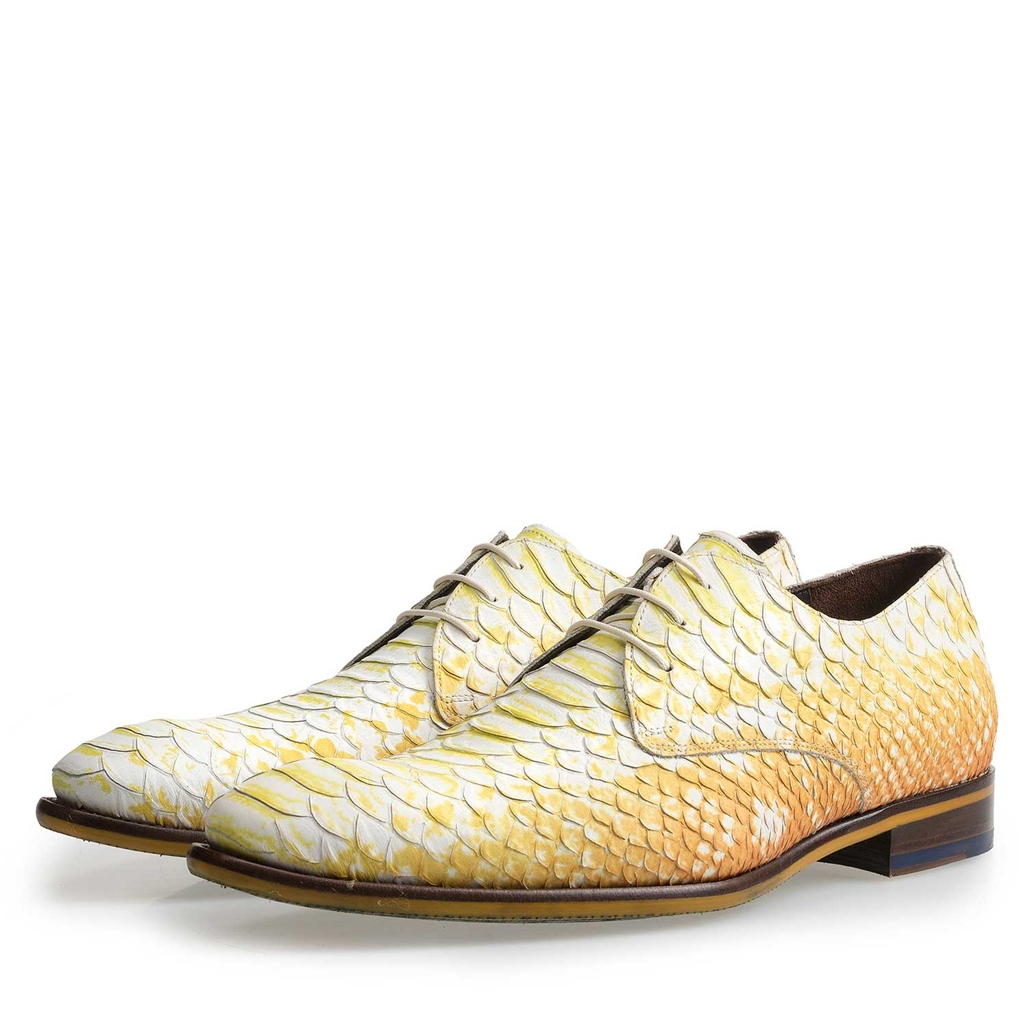 14109/01 - Yellow leather lace-shoe with snake-print