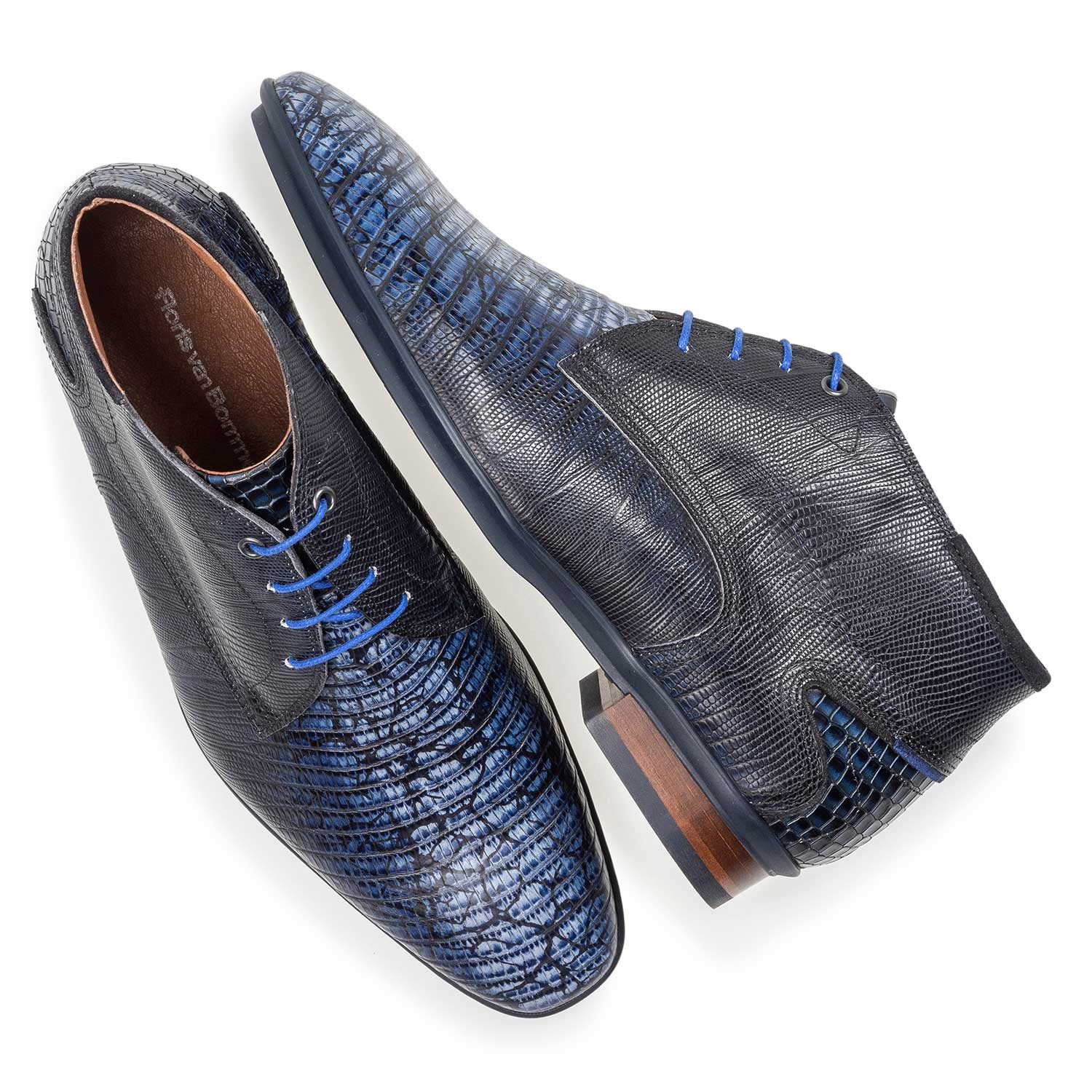10131/12 - Blue calf leather lace shoe with lizard print