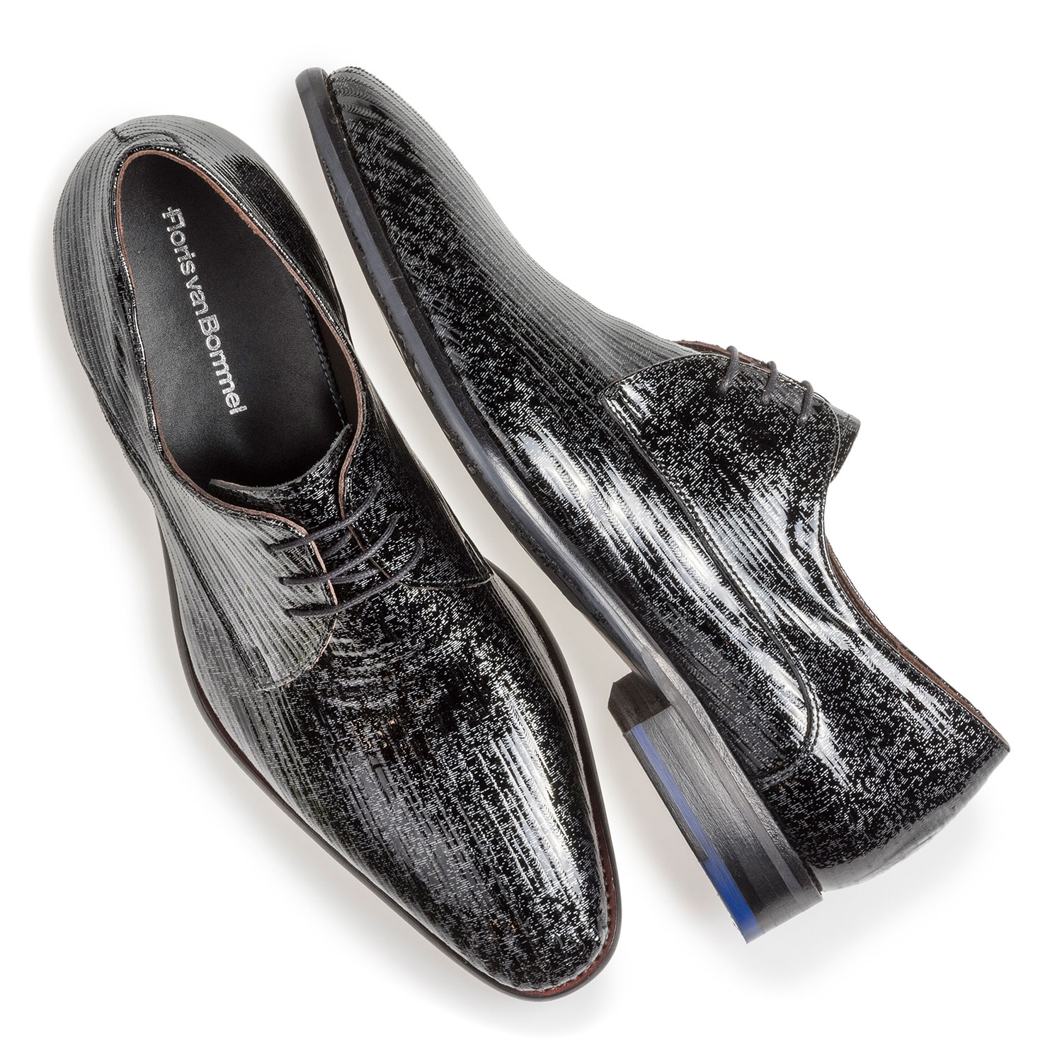 18146/12 - Black patent leather lace shoe with metallic print