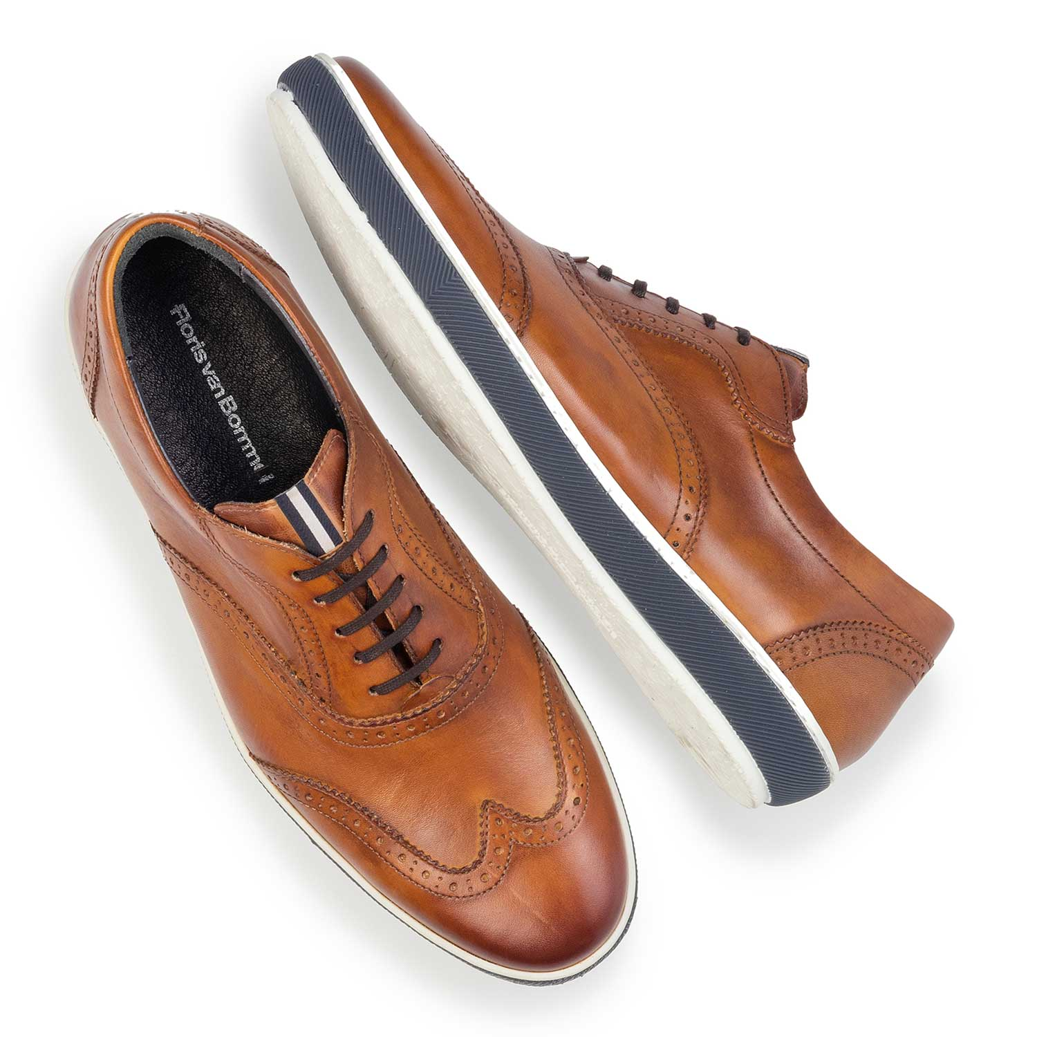 19036/38 - Cognac-coloured calf leather brogue shoe