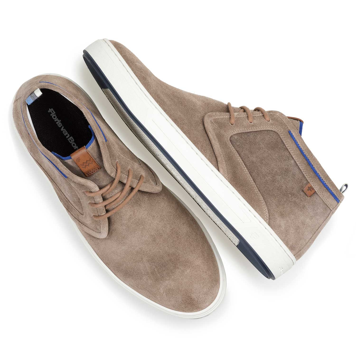 10466/01 - Taupe-coloured washed suede leather lace shoe