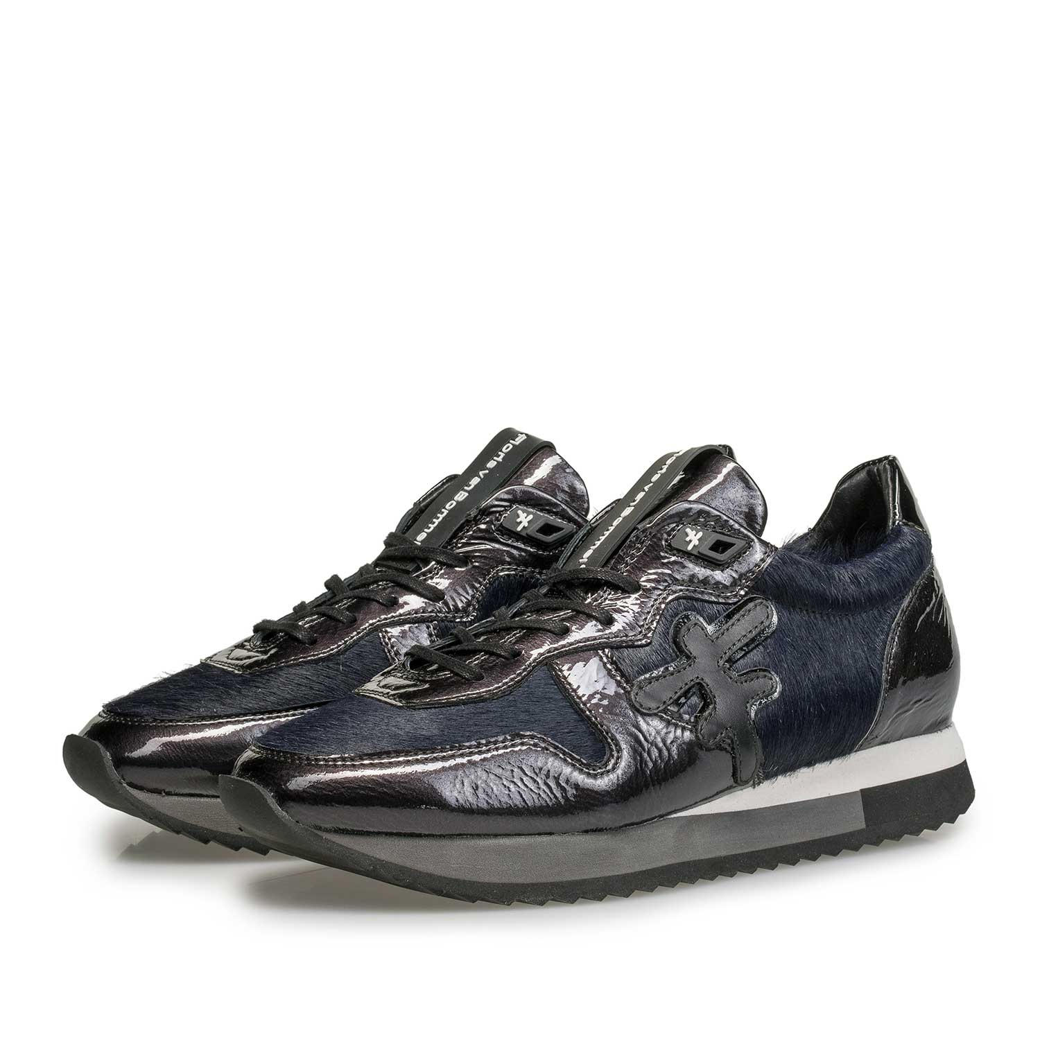 85256/02 - Blue patent leather sneaker with runner's sole