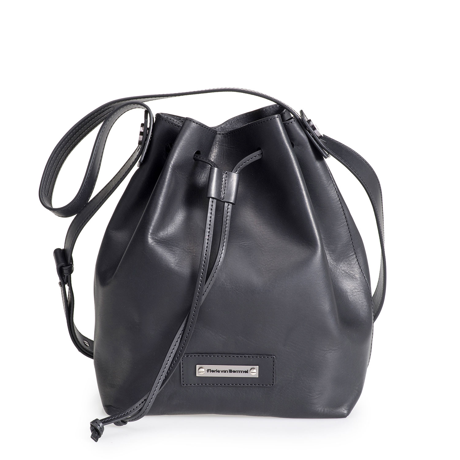 89007/00 - Black leather bucket bag