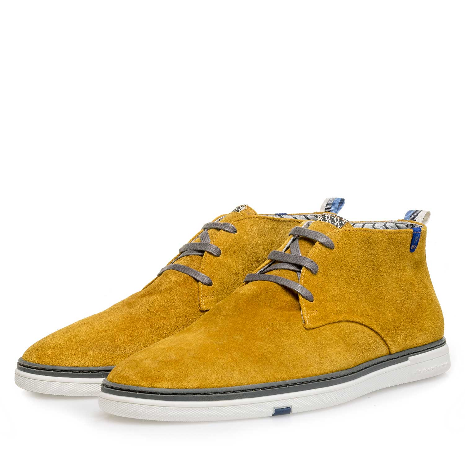 10502/05 - Mustard-coloured washed suede leather lace boot