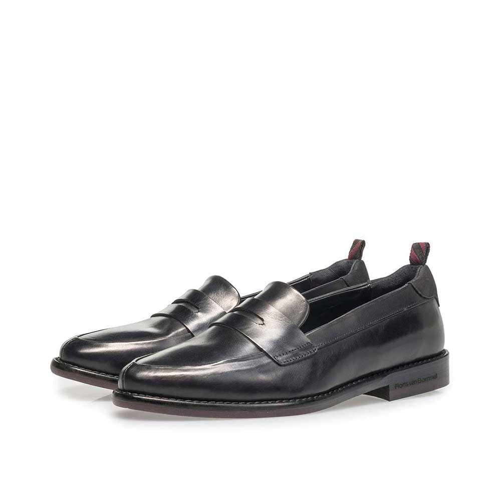 85417/04 - Black calf leather loafer