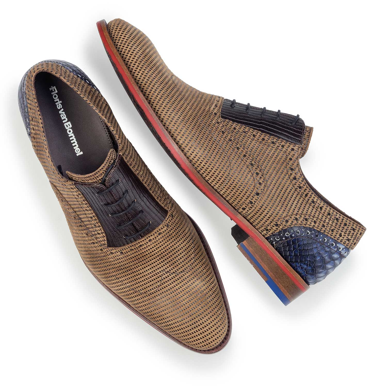 19114/07 - Camel-coloured suede leather lace shoe with pattern