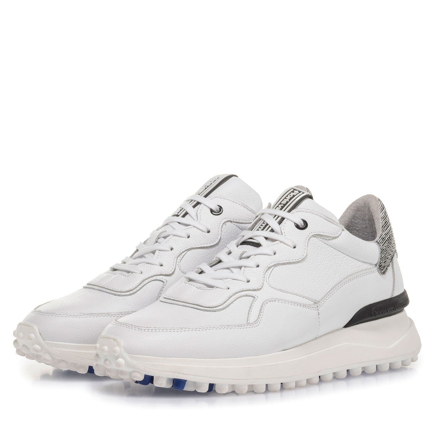 16301/14 - White calf leather sneaker with fine structure