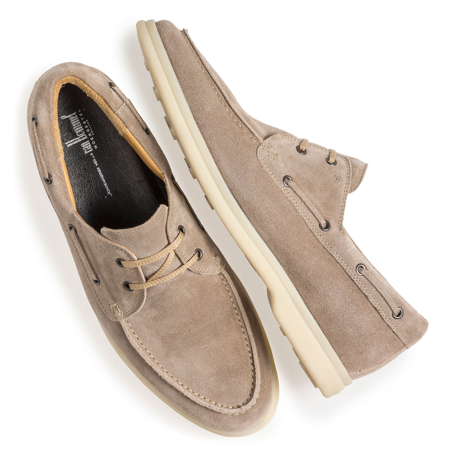 18205/03 - Beige suede leather boat shoe