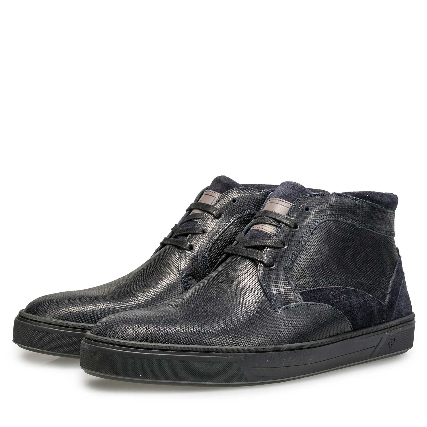 10314/00 - Wool lined, mid-high calf's leather shoe