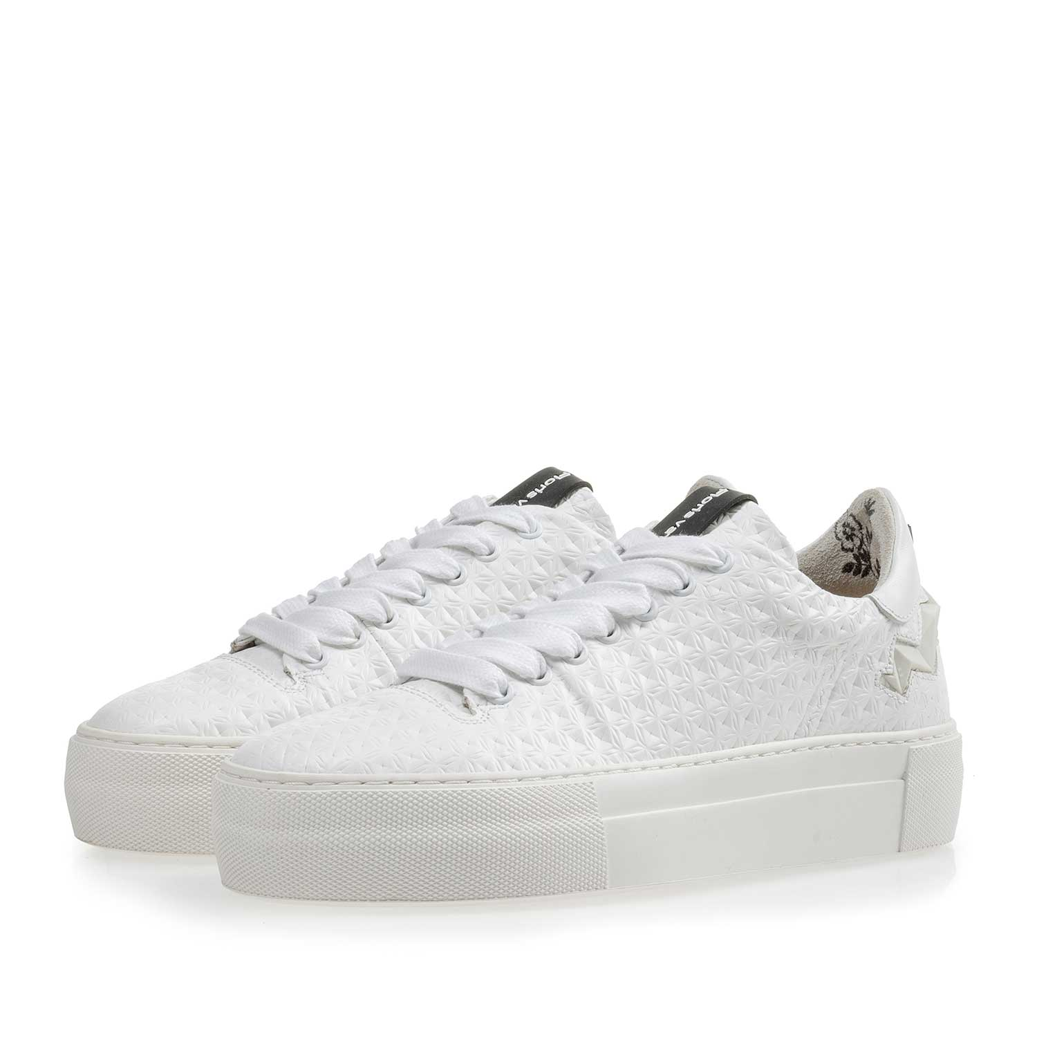 85234/00 - White patterned leather sneaker