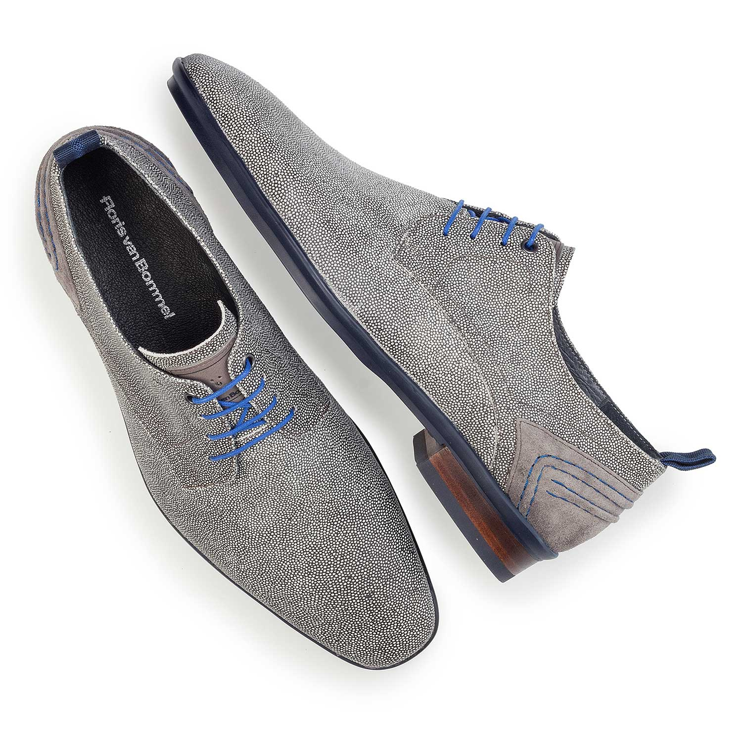 14007/00 - Grey, suede leather lace shoe with pattern