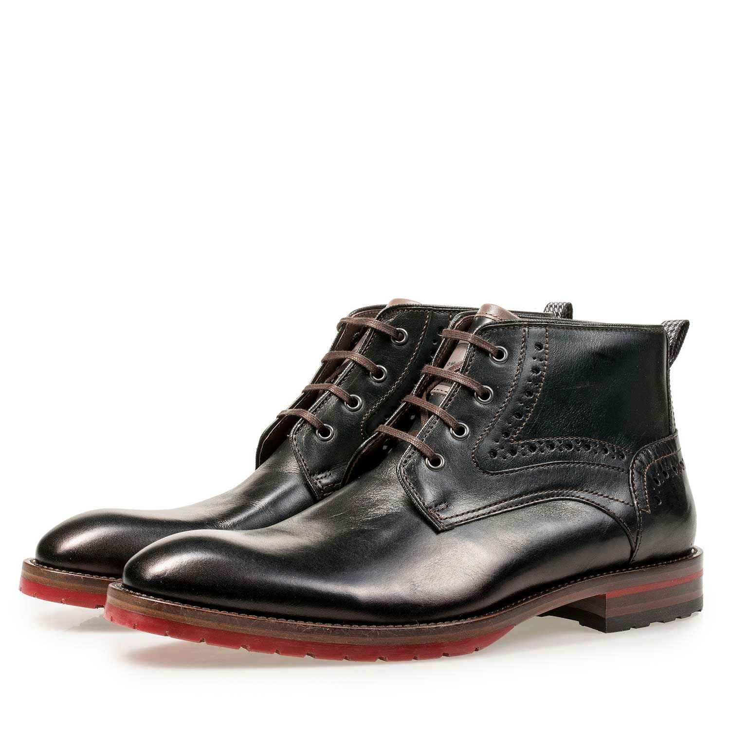 10317/10 - Black calf leather lace boot with red sole