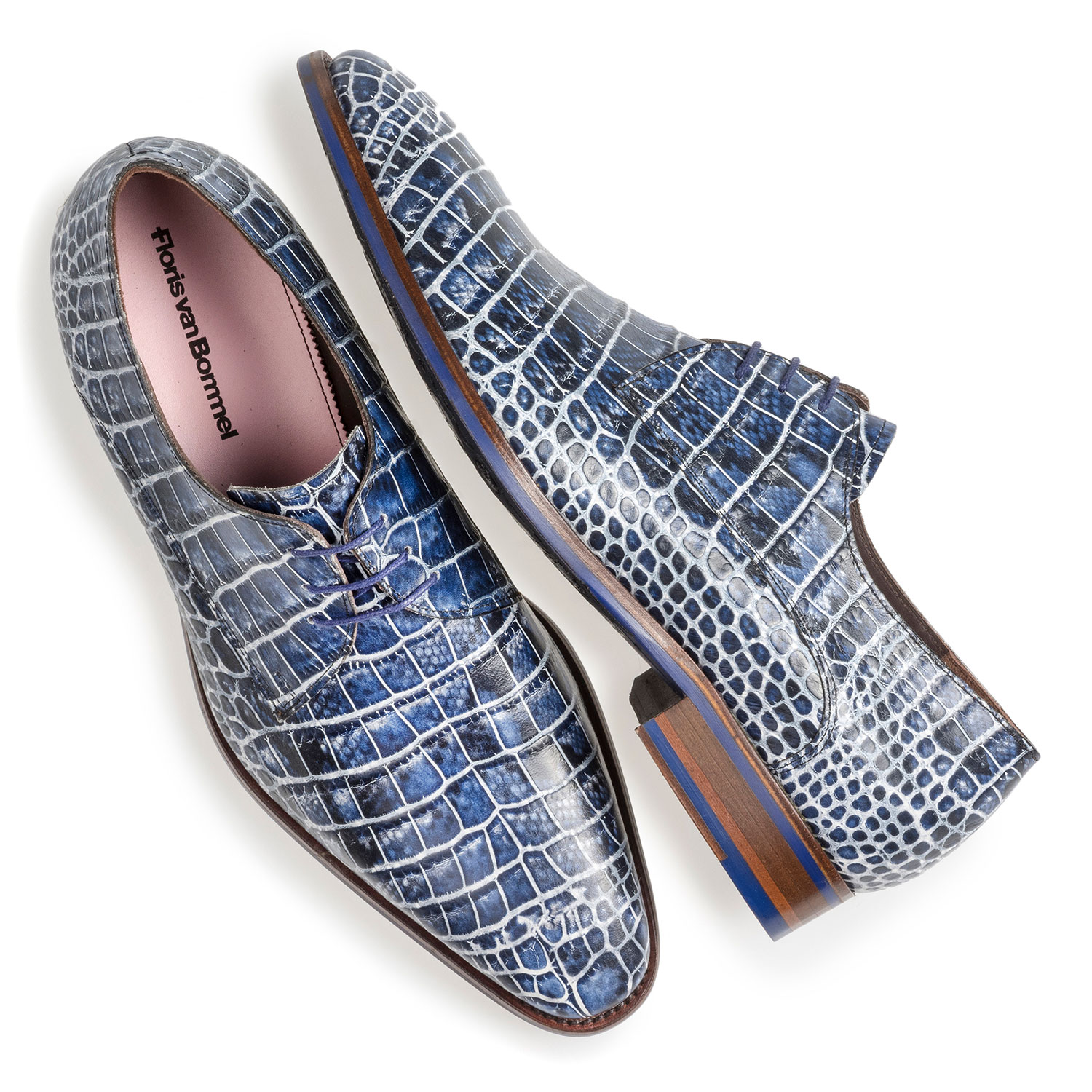 18168/03 - Blue lace shoe with croco print