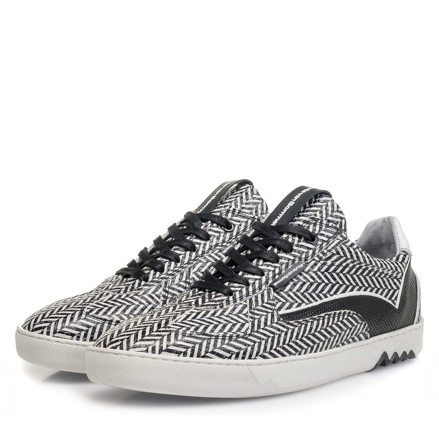 16342/07 - Black & white leather sneaker with a herringbone pattern