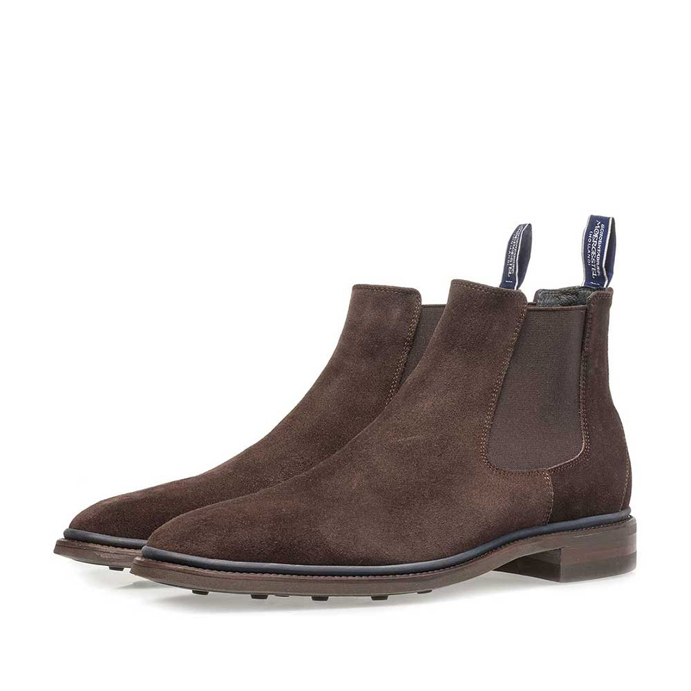 10669/02 - Dark brown suede Chelsea boot