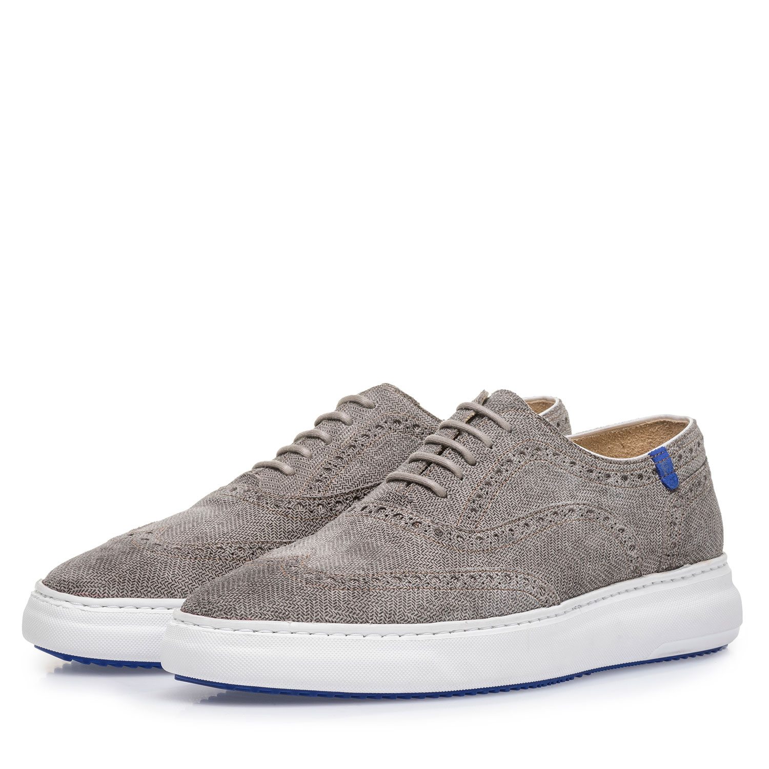 19400/09 - Light grey suede leather lace shoe with print