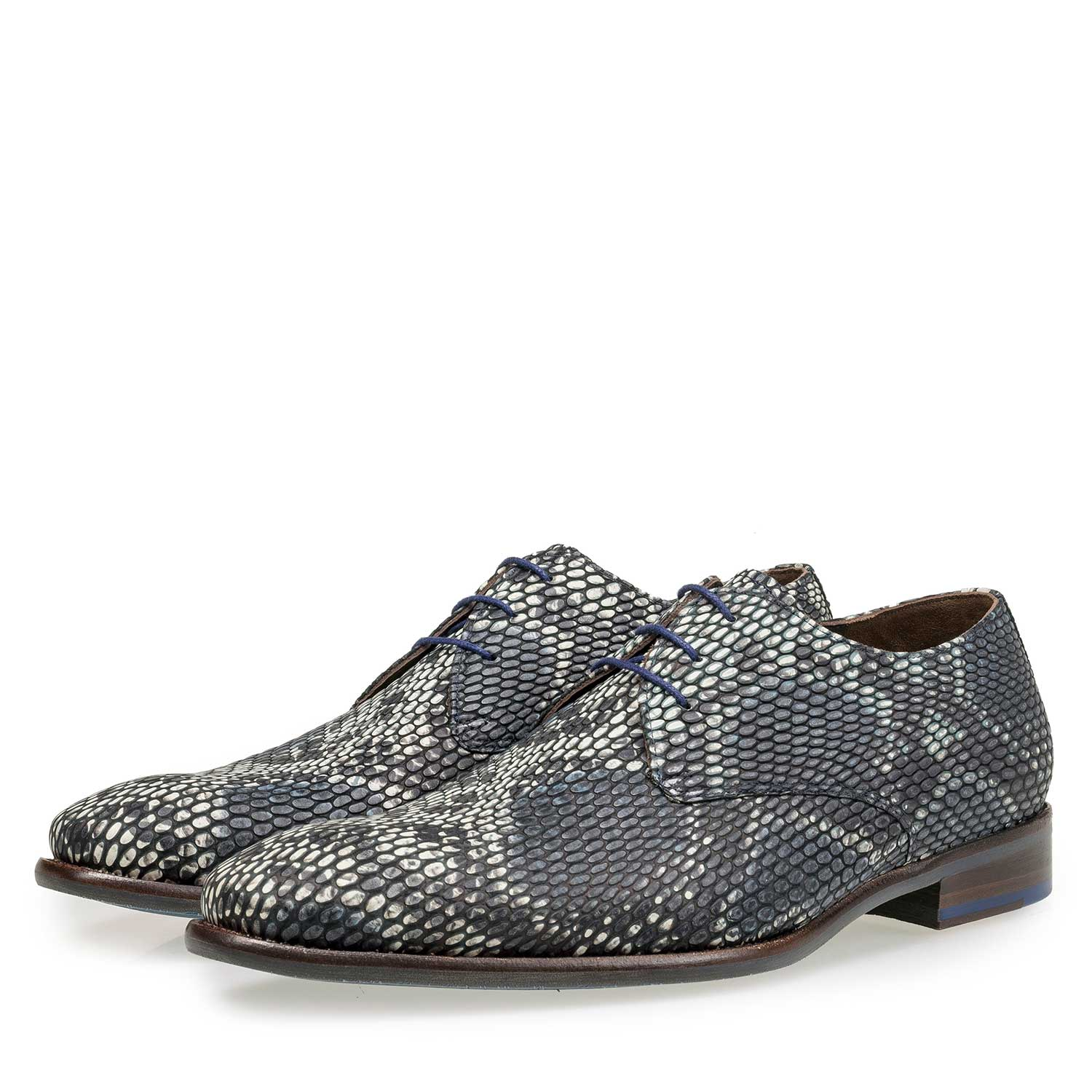 18090/01 - Grey calf leather lace shoe with a snake print