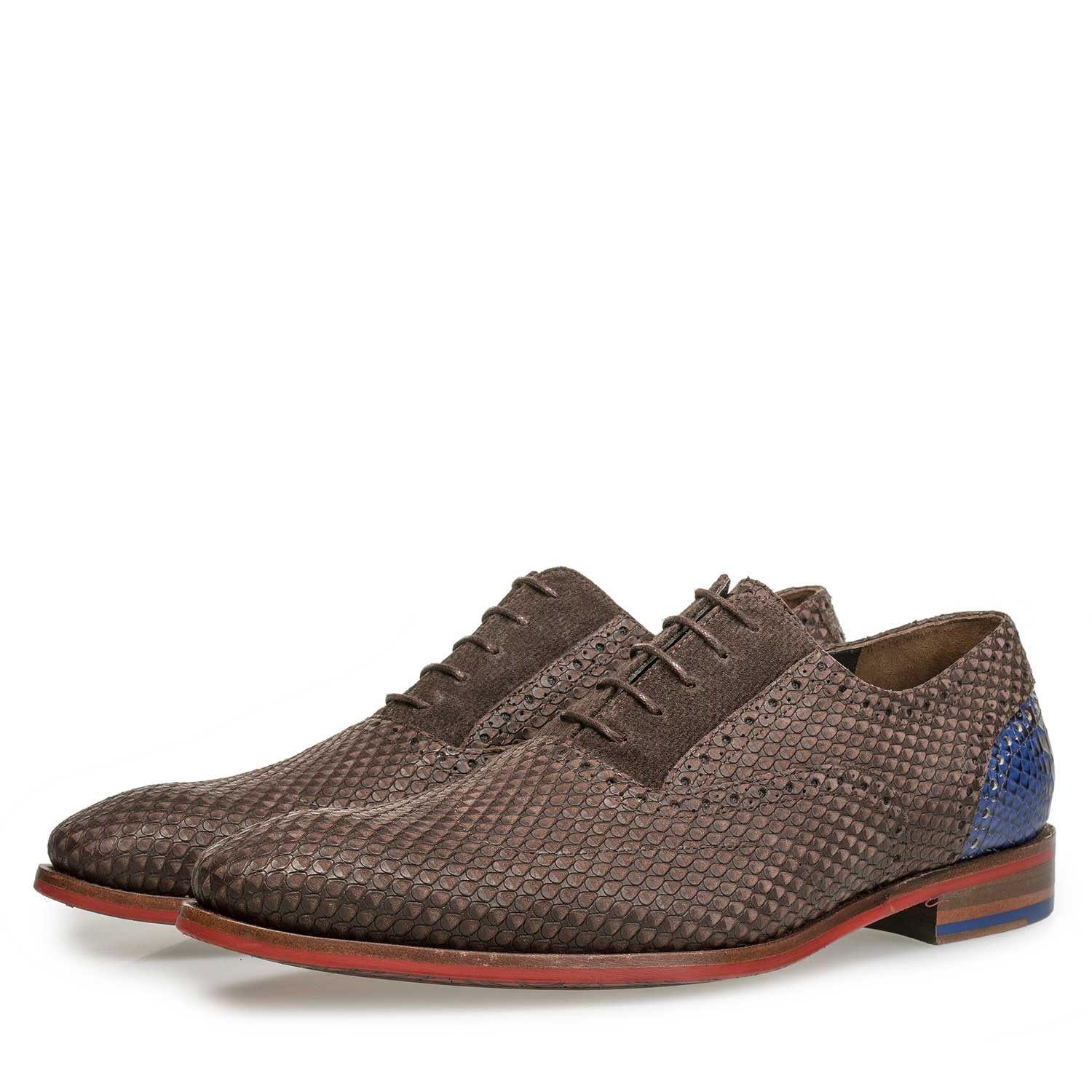 19119/00 - Brown nubuck leather lace shoe with snake print