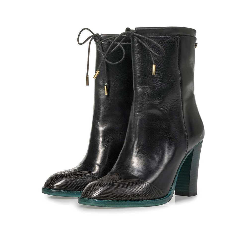 85646/00 - Black calf leather ankle boots