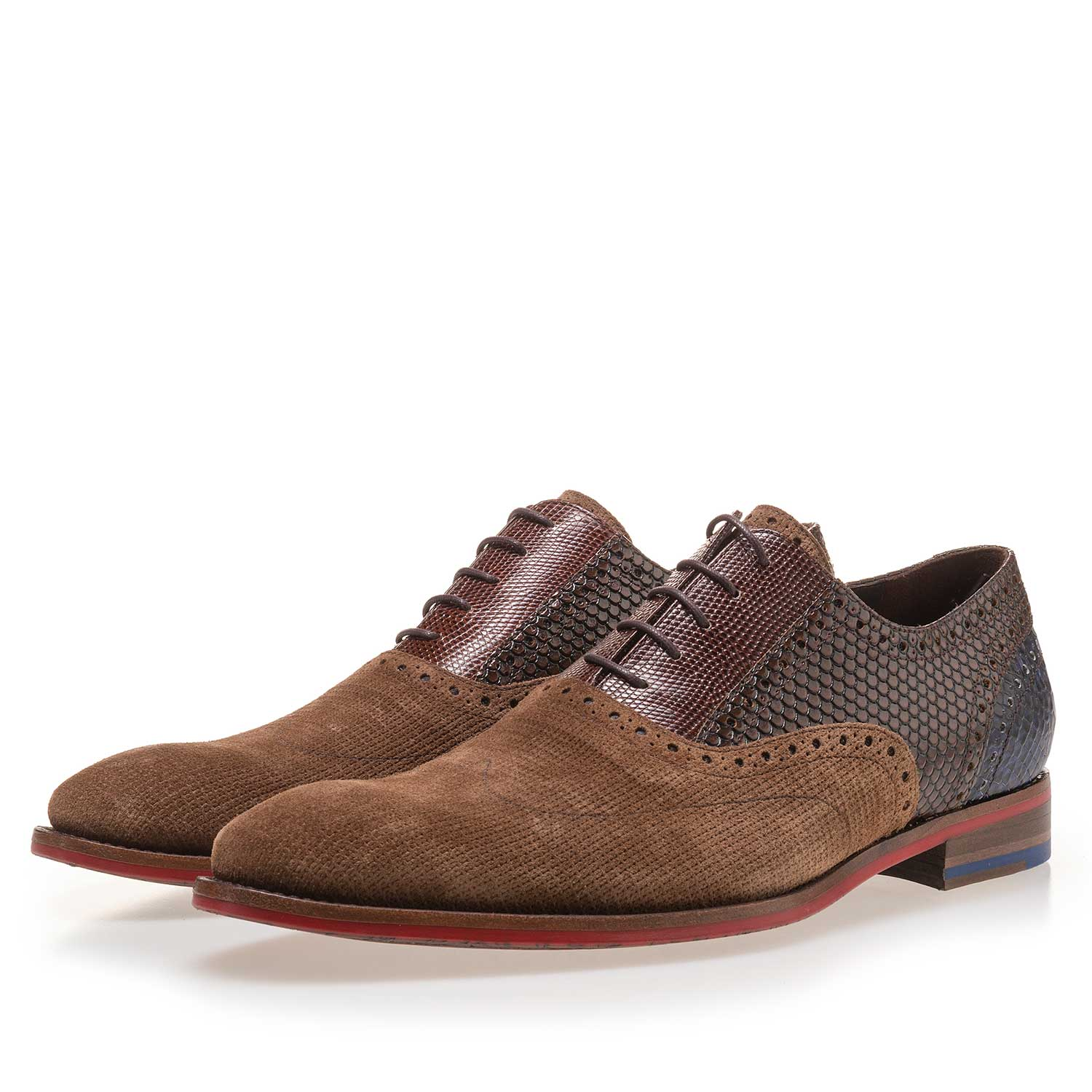 19114/03 - Light brown patterned lace shoe made of suede leather