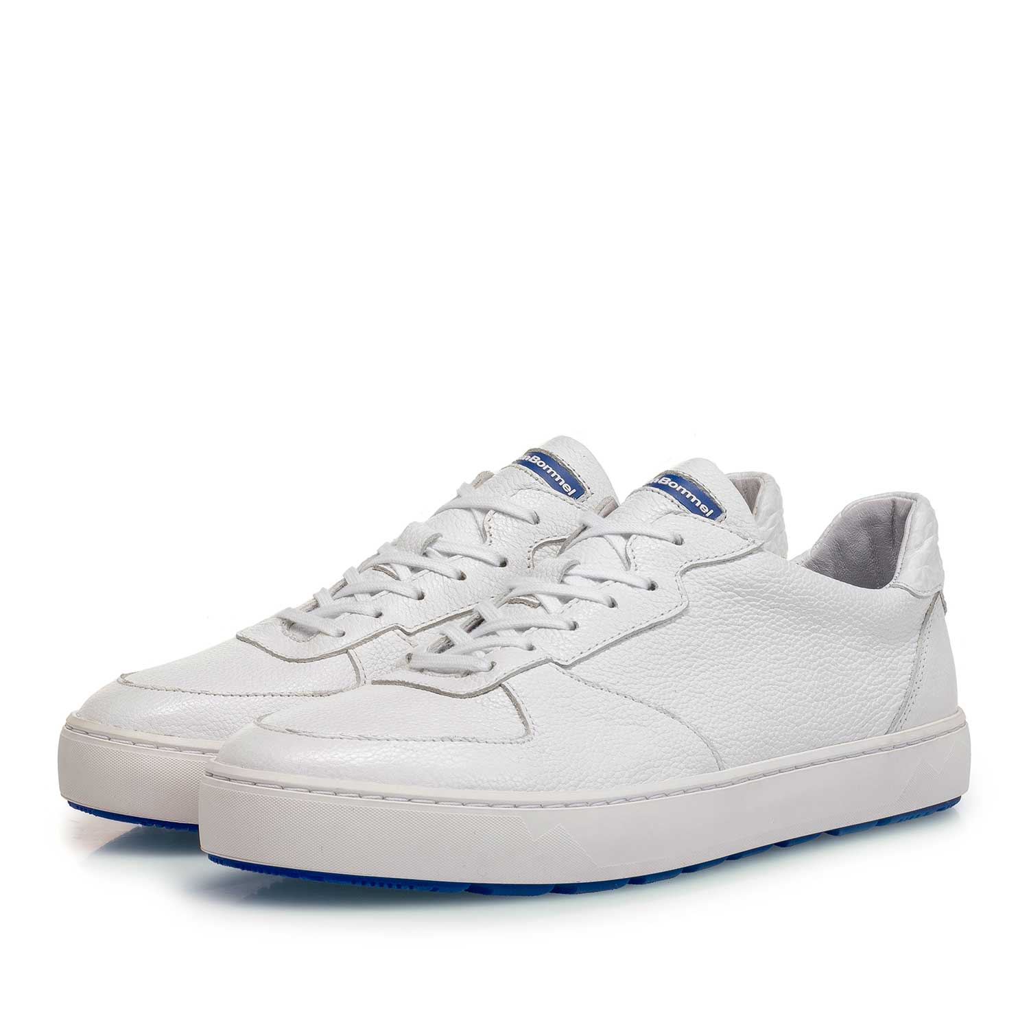 85272/16 - White slightly structured calf leather sneaker