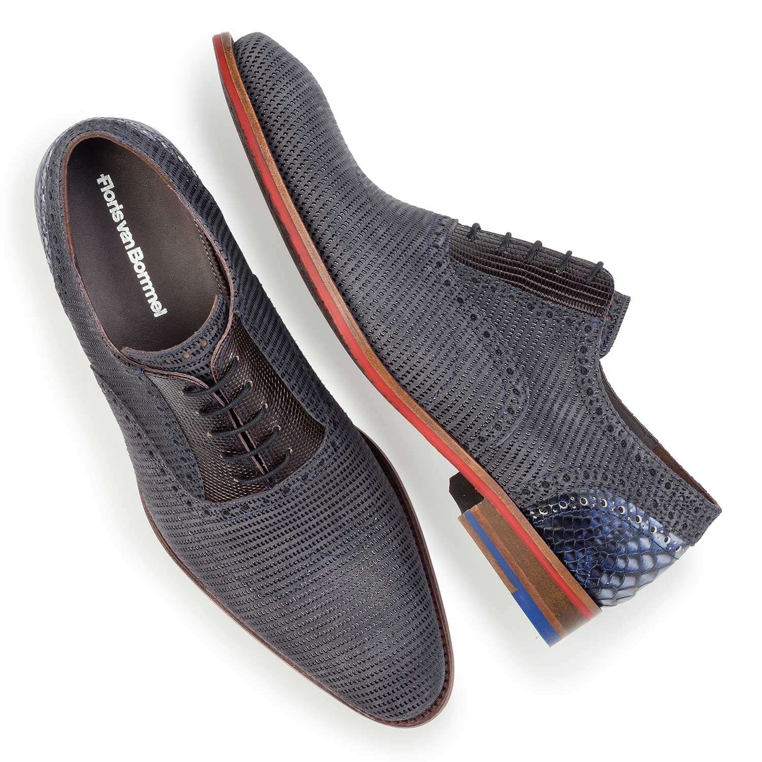 19114/05 - Dark grey patterned lace shoe made of suede leather