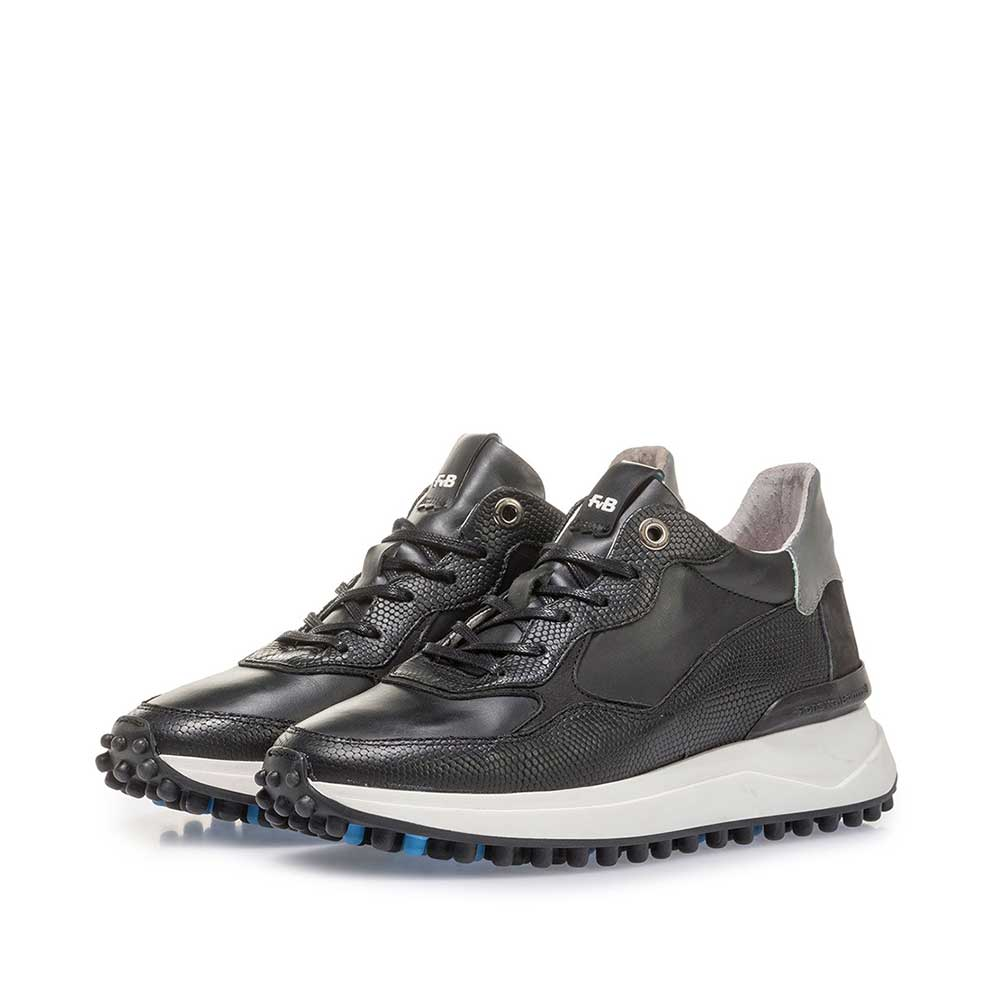 85307/01 - Black leather sneaker with print
