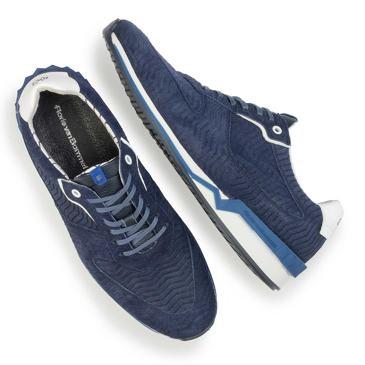 16225/00 - Dark blue suede leather sneaker with a zig-zag print