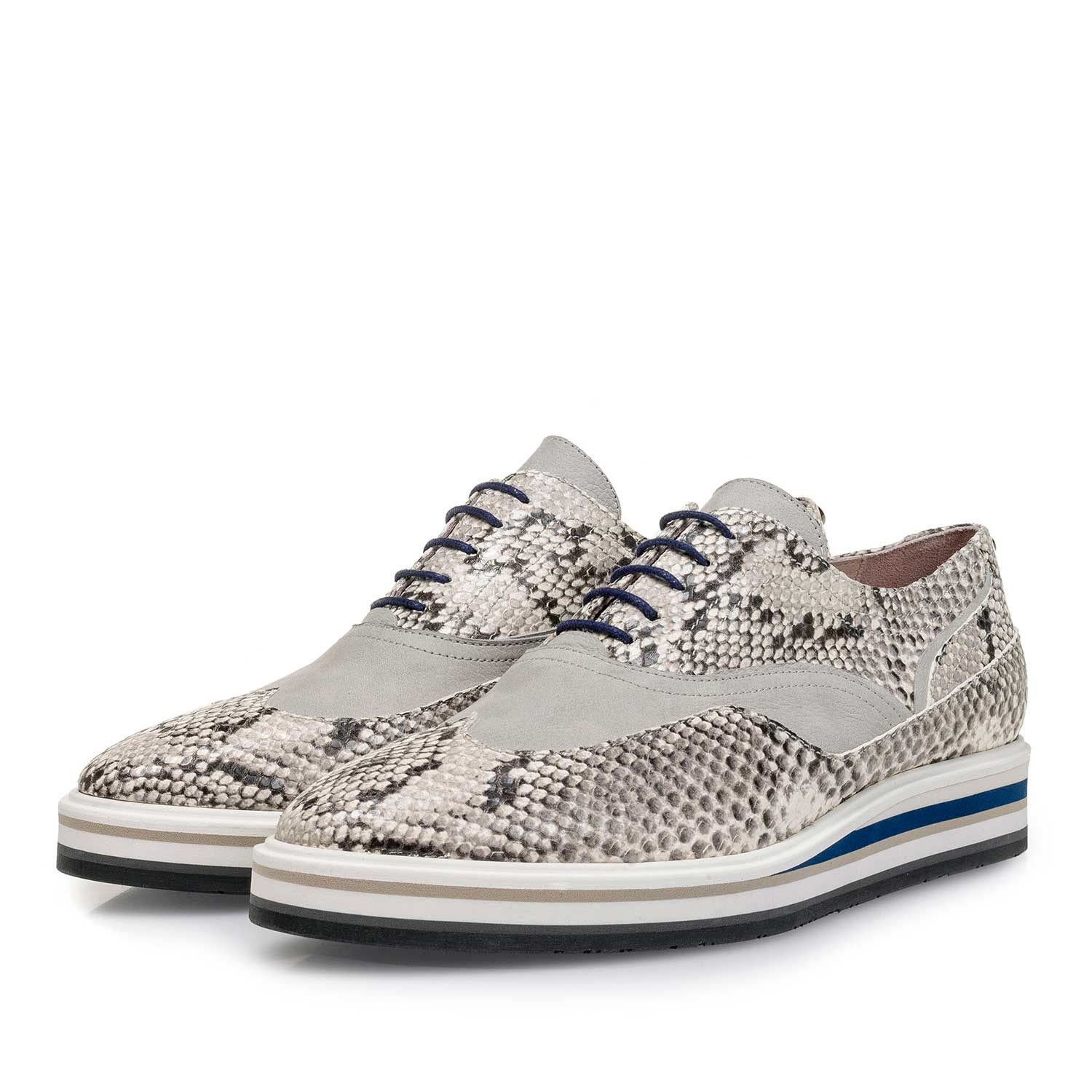 85806/00 - White snake print leather lace shoe