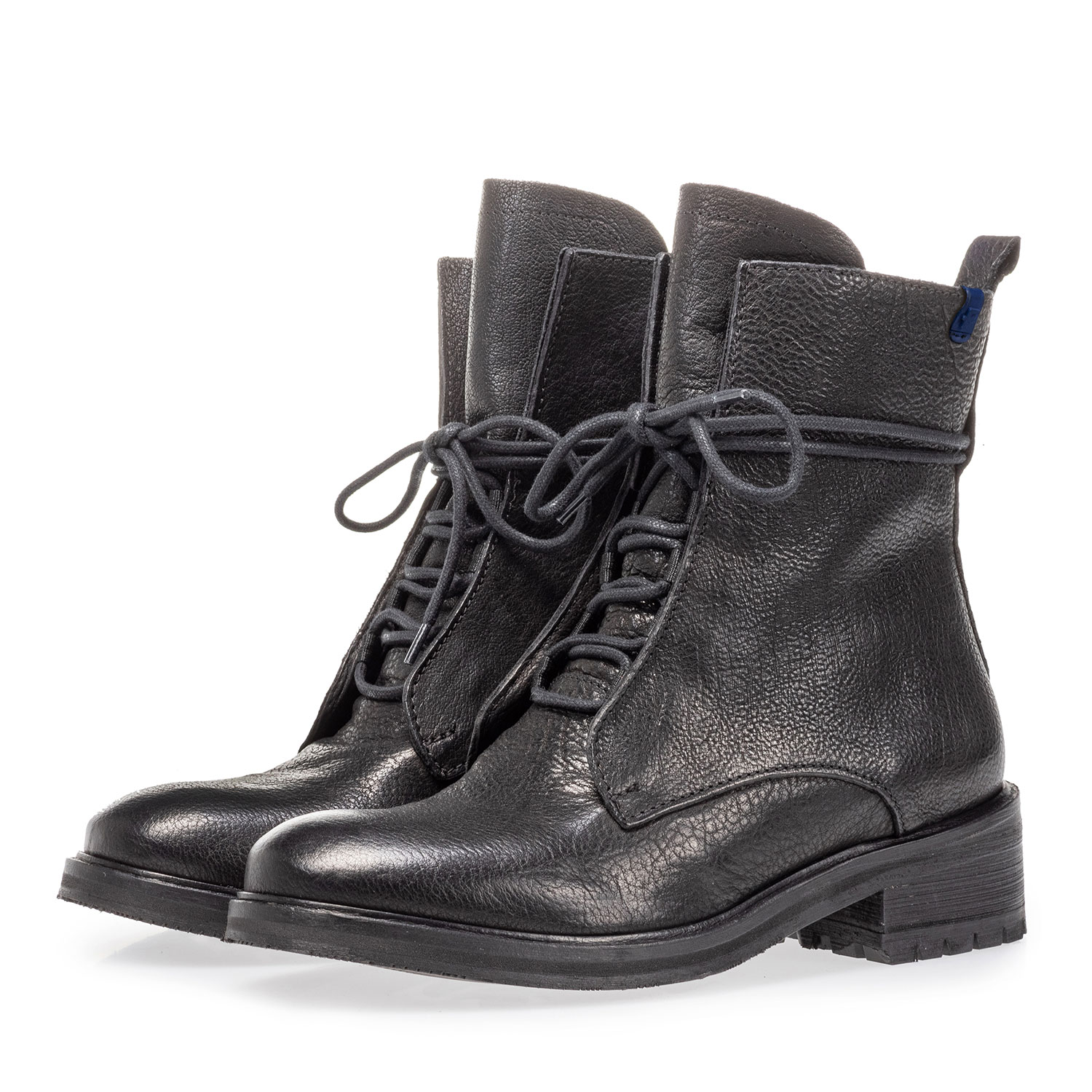 85647/01 - Lace boot calf leather black