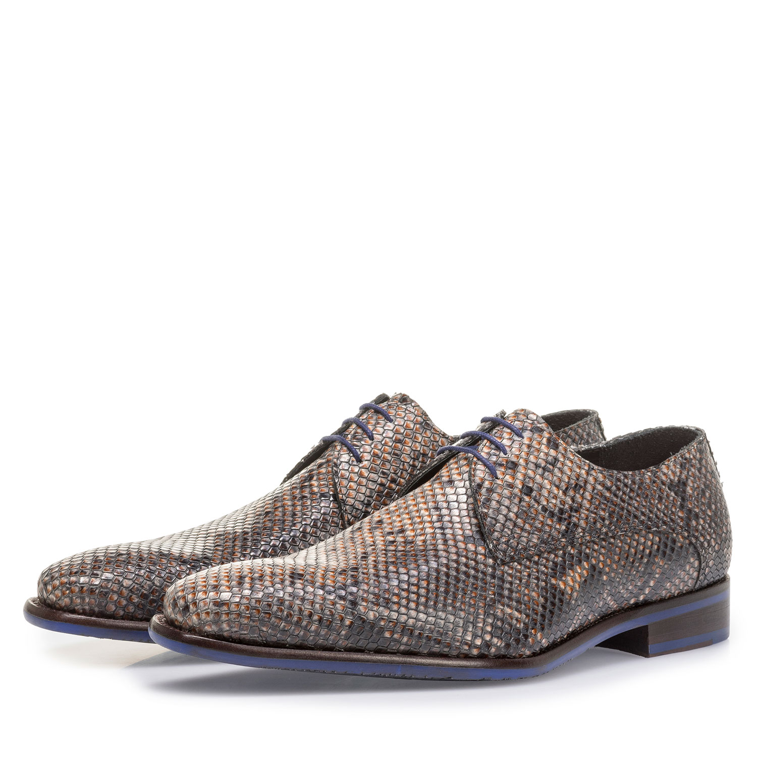 18159/18 - Grey and brown lace shoe with snake print